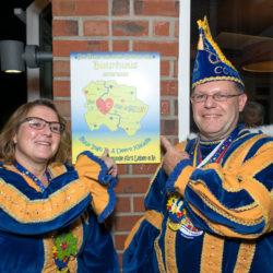 Deern Kladia und Buur Ingo II. eröffnen das Buurhuus